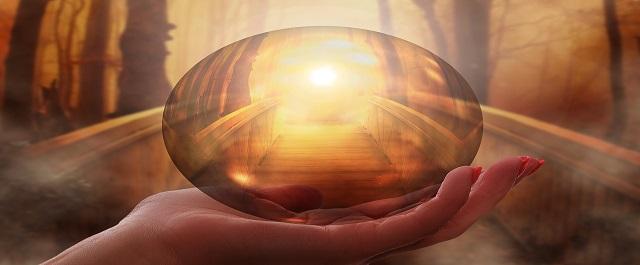 helen met licht van het universele bewustzijn